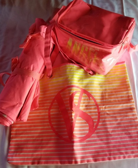 Victoria's Secret Handbags - Victoria's Secret Beach Bundle (4)